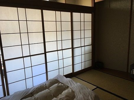 Following these tips to find cheap places to stay might get you to stay in this beautiful ryokan in Japan overnight.