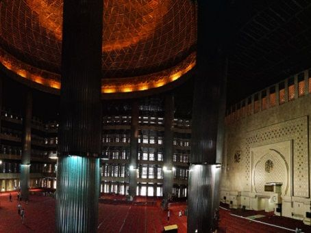 Mosque in Jakarta, inside view
