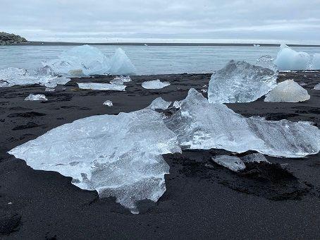 A lost diamond on the Icelandic diamond beach